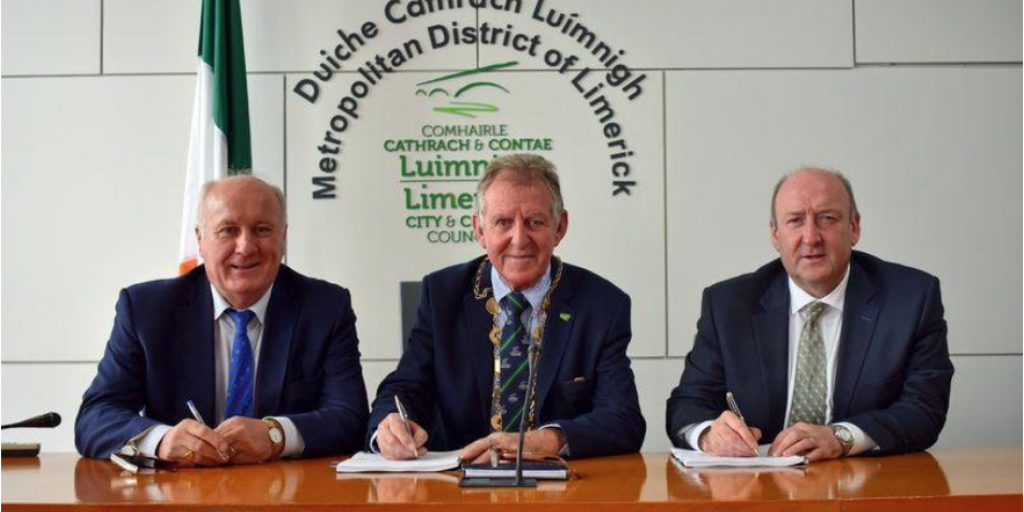 Albert Conneally, Mayor Michael Sheahan and Dr Pat Daly, Chief Executive of Limerick City and County Council. Photo courtesy of Limerick City and County Council.